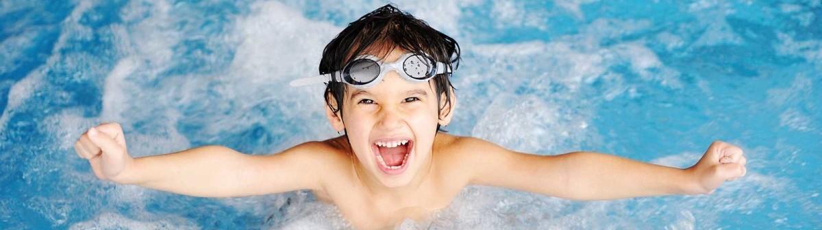 swimming-child-splash